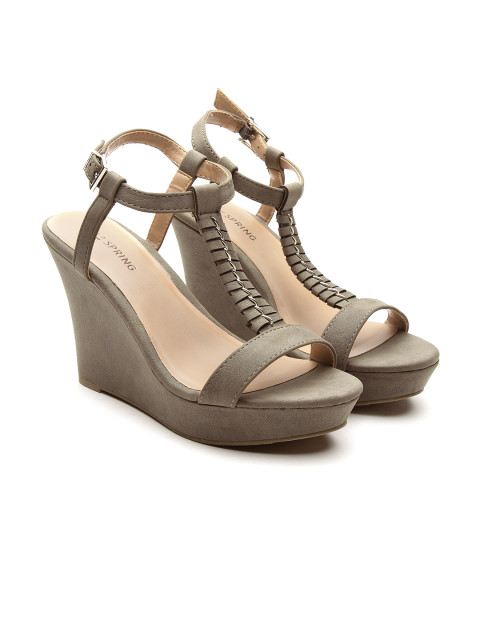 7e7a2026aee The Ultimate Footwear Guide for Indian Women - Fashion Suggest